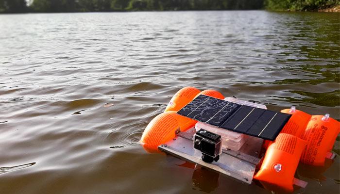 Solar lake pool cleaner Robot
